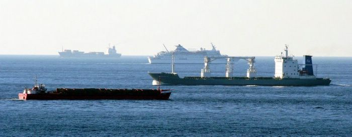 busy_shipping_lanes
