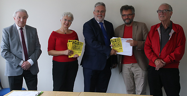 00 Walk-In Centre Petition 111018 (11)